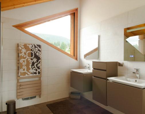 Fenêtres en bois de forme – Salle de bains